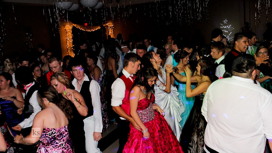 Watch How to Dance at High School Dances video